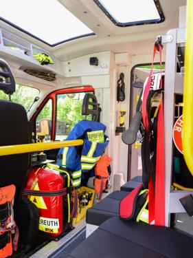 Segnung des neuen MLF der Feuerwehr Schneizlreuth - Bild 04